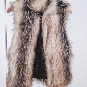 Forever 21 Faux Fur Vest Small